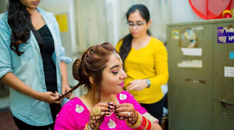 Best Makeup Academy in Mumbai | Top 10 Makeup Institute in India